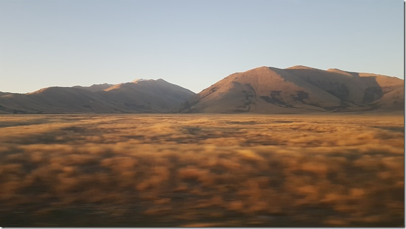 Sunset from the bus on the road to Tekapo